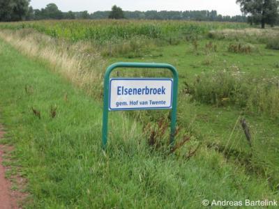 Elsenerbroek heeft sinds 2010 weer officiële plaatsnaamborden