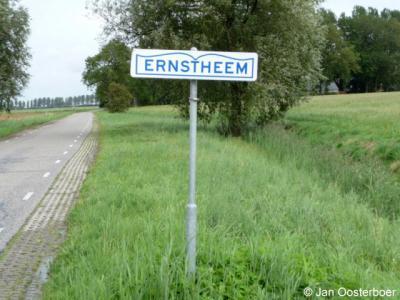 Ernstheem is een buurtschap van slechts een handvol panden en valt onder de kern Winsum en de gemeente Het Hogeland.