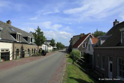 Dijkdorp Everdingen aan rivier De Lek.