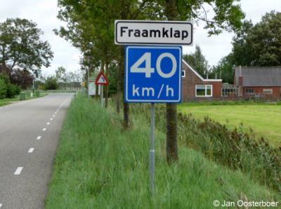 De buurtschap Fraamklap valt onder het dorp Middelstum in de gemeente Loppersum.