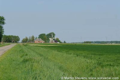 Groningen is ook heel geschikt als je wandel- of fietstochten wilt maken langs honderden in het groen gelegen dorpjes en buurtschapjes. Op de foto: Garrelsweer.