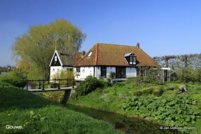 Niet ver van Opmeer ligt de buurtschap Gouwe.