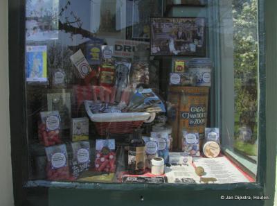 Etalage snoepwinkeltje in Graft