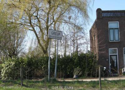 Plaatsnaambord van buurtschap Greup onder de voormalige gemeente Oud-Beijerland