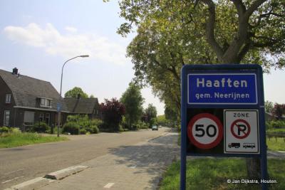 Haaften is een dorp in de provincie Gelderland, in de streek Betuwe, gemeente West Betuwe. Het was een zelfstandige gemeente t/m 1977. In 1978 over naar gemeente Neerijnen, in 2019 over naar gemeente West Betuwe.