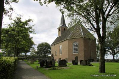 Haskerdijken, zaalkerkje De Kapelle uit 1818.