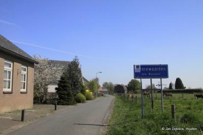 Heerewaarden is een dorp in de provincie Gelderland, in de streek Bommelerwaard, gemeente Maasdriel. Het was een zelfstandige gemeente t/m 1998.