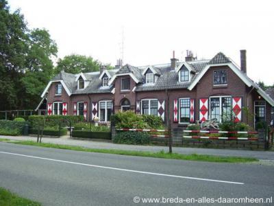 Heerstaaien (buurtschap van Strijbeek), voormalige marechausseekazerne aan de Strijbeekseweg 47.