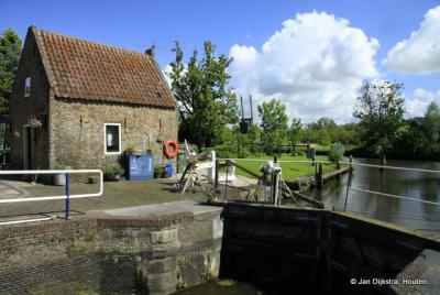 Leuk hoekje bij de Goejanverwellesluis, aan de kant van de Hollandse IJssel
