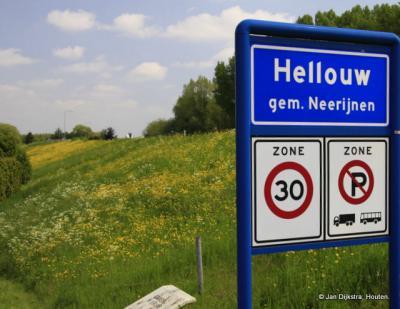 Hellouw is een dorp in de provincie Gelderland, in de streek Betuwe, gemeente West Betuwe. T/m 1977 gemeente Haaften. In 1978 over naar gemeente Neerijnen, in 2019 over naar gemeente West Betuwe.