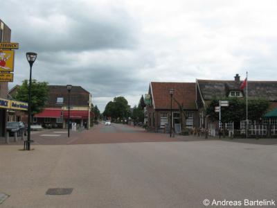 Hengevelde, Goorsestraat ter hoogte van de splitsing met de Diepenheimsestraat
