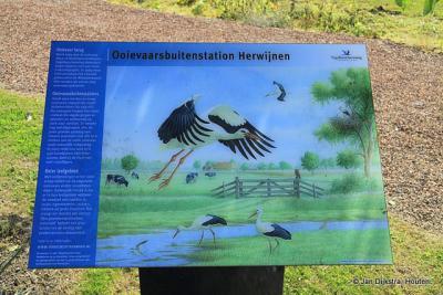 In buurtschap Kerkeneind, in het dorpsgebied van Herwijnen, is een buitenstation van het ooievaarsdorp in Liesveld