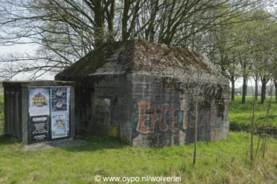 Heukelum, een van de bunkers langs de Zuiderlingedijk.