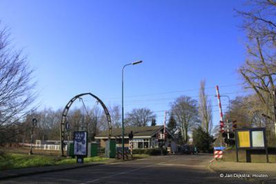 Station Hollandsche Rading, nog steeds in gebruik, vooral door de aanwezigheid van de Korporaal van Oudheusdenkazerne
