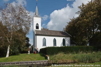 De Hervormde (PKN) kerk van Holysloot, uit 1847, is wegens de kleur van het pleisterwerk bekend als het Witte Kerkje
