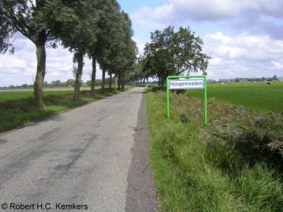 Hoogemeeden is een buurtschap in de provincie Groningen, in de streek en gemeente Westerkwartier. T/m 1989 gemeente Aduard. In 1990 over naar gemeente Zuidhorn, in 2019 over naar gemeente Westerkwartier.