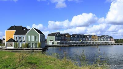 Vissershuizen aan de Rietplas in Houten