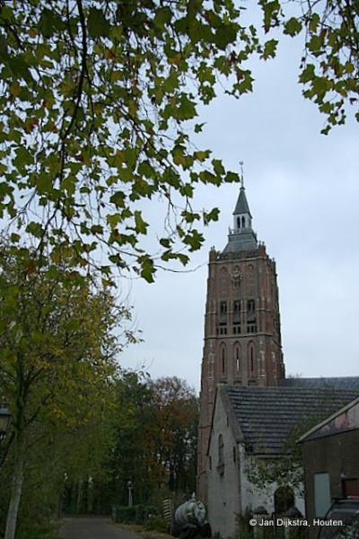 De Hervormde Sint Catharinakerk  uit 1460 in Asperen