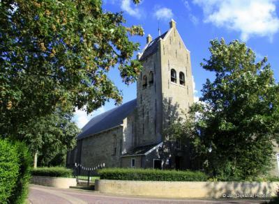 Bij de kerk van Iens