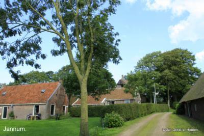 In het kleine dorp Jannum.