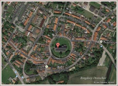 Dreischor is het gaafst bewaard gebleven Zeeuwse kerkringdorp. Ter plekke, maar ook als je eroverheen zou vliegen, of als je op Google Maps kijkt, is dat heel duidelijk te zien.