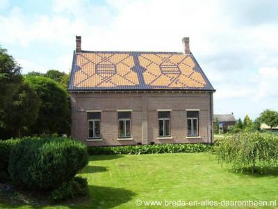 Kladde (buurtschap van Lepelstraat), kunstzinnig dak op het pand Kladde 65. (© Kees Wittenbols / www.breda-en-alles-daaromheen.nl)