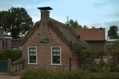 'Willem's hûske' is een klein wâldhûske in Kollumerzwaag
