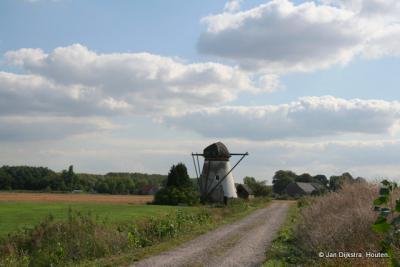 De Souburghse Molen in de Alblasserdamse buurtschap Kortland verkeert anno 2017 nog in slechte staat, maar de intentie is om de molen nu z.s.m. te restaureren.