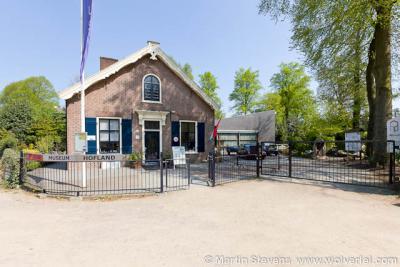 't Gooi, Laren, Geologisch Museum Hofland laat de geschiedenis van het ontstaan van 't Gooi zien; op geologisch gebied uiteraard.