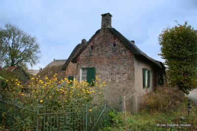 Zeer oud huis in Leerbroek, vroeger een smederij