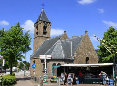 Bij de kerk in Leersum, 4 juni 2013.