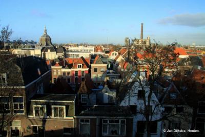 Blik in noordelijke richting vanaf de Burcht in Leiden