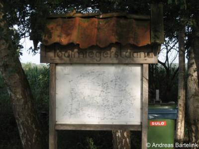 Lemselo, fraai informatiepaneel aan de Lemseloseschoolweg, met daarop alle boerderijen in de buurtschap. Zie verder bij Bezienswaardigheden.