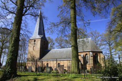 Leur, maar wel een dorpje met een mooie kerk