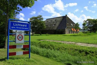 Lichtaard is een dorp in de provincie Fryslân, gemeente Noardeast-Fryslân. T/m 2018 gemeente Ferwerderadiel.