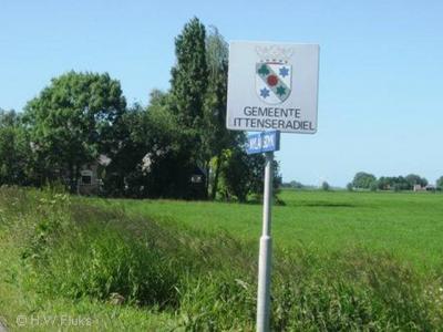 Door middel van fraaie bordjes met het gemeentewapen kon je zien dat je de gemeente Littenseradiel binnenkwam
