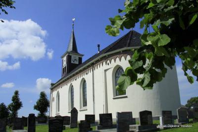 Het mooie, witte kerkje van Lollum