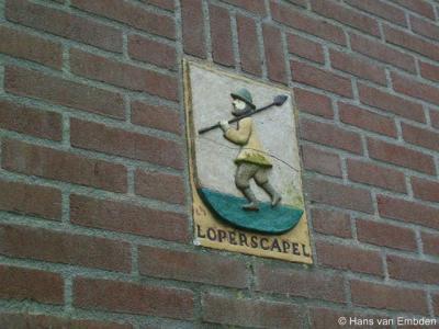 Looperskapelle, wapen van Looperskapelle aan de gevel van de voormalige bakkerij aan de Kapelleweg
