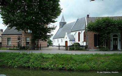 Over de Enge IJssel zien we Lopikerkapel