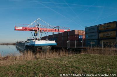 Ruigoord, Amsterdam, de containeroverslag aan de oostkant