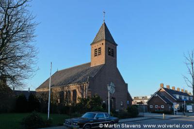 Heenweg krijgt in 1873 een RK kerk, de Sint Lambertuskerk, en in 1954 krijgt het dorp ook een eigen Hervormde kerk, zijnde deze Nieuwe Kerk op Heenweg 59.