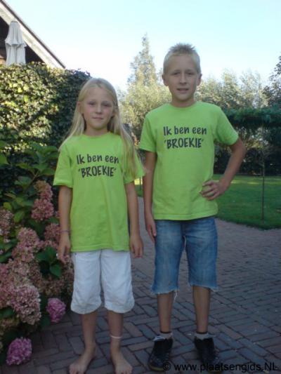 Jeugdige inwoners van de buurtschap Broek worden 'broekies' genoemd
