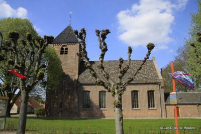 De 14e-eeuwse kerk van Meeuwen