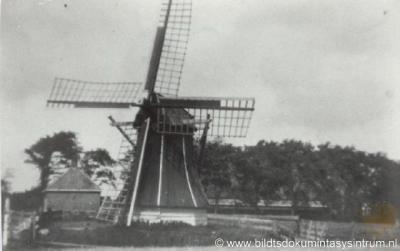 Mooie Paal / Moaije Peal (buurtschap van Minnertsga), de watermolen anno 1930. Deze molen is helaas in 1932 afgebroken.