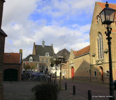 Stadsgezicht van Montfoort, met achteraan het voormalige stadhuis