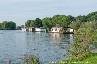 Overmeer ligt aan de rivier de Vech