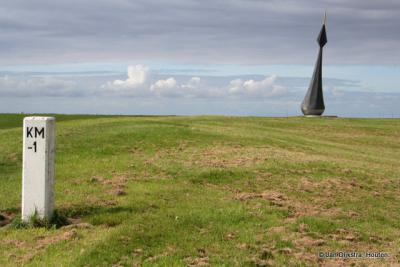 De windwijzer op de dijk bij Nieuwe Statenzijl