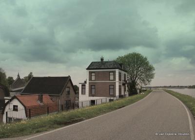 We verlaten Nieuwaal, we gaan naar huis, het begint te regenen