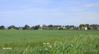 Nieuwvliet, dorpsgezicht van ver