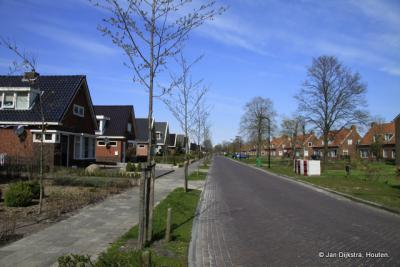 De Zevenhuisterweg in Noardburgum in 2012